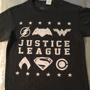 NWT boys' Justice League graphic tee.
